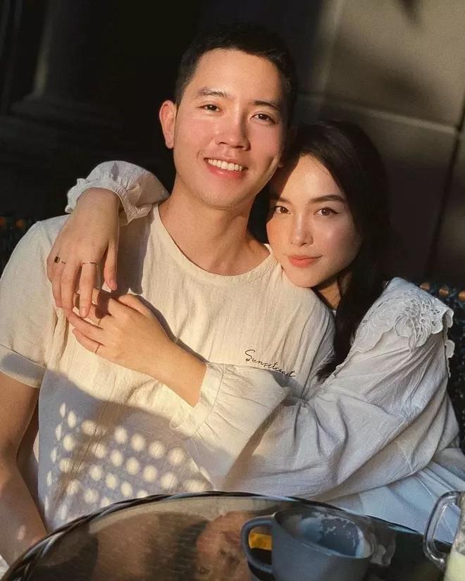 Blogger Ha Truc khoe body nong ruc ben Quang Dat-Hinh-4