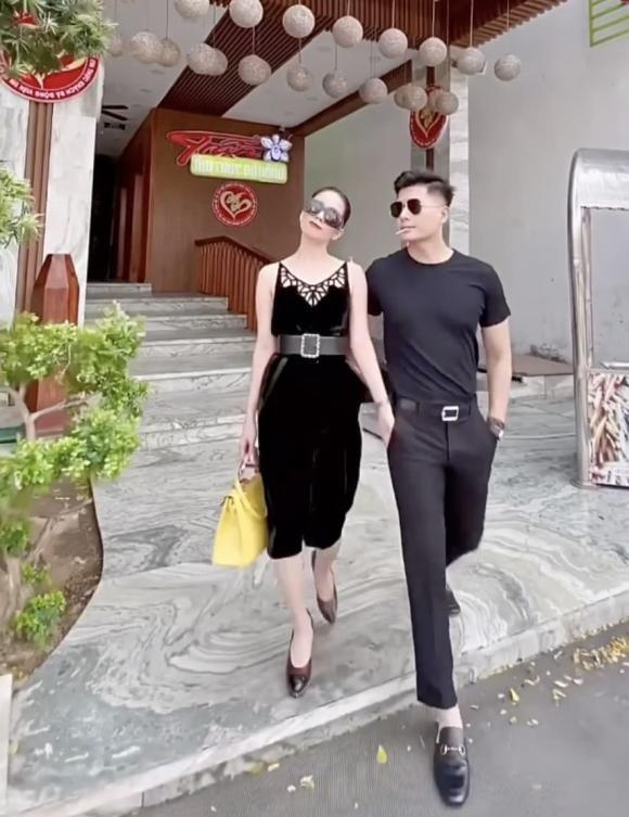 Hanh dong kho hieu cua Le Quyen va Lam Bao Chau khi dao pho-Hinh-2