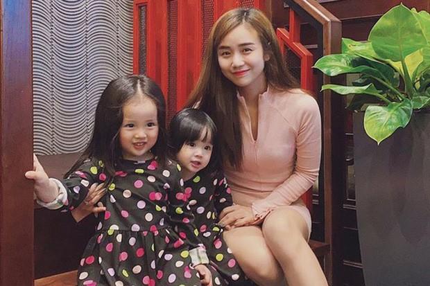 Vo cu Hoai Lam dang anh cap doi Song Song va an y chuyen boi bac-Hinh-3