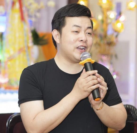 Quan ly cua Quang Le dap tra ve tin don nam ca si quyt no