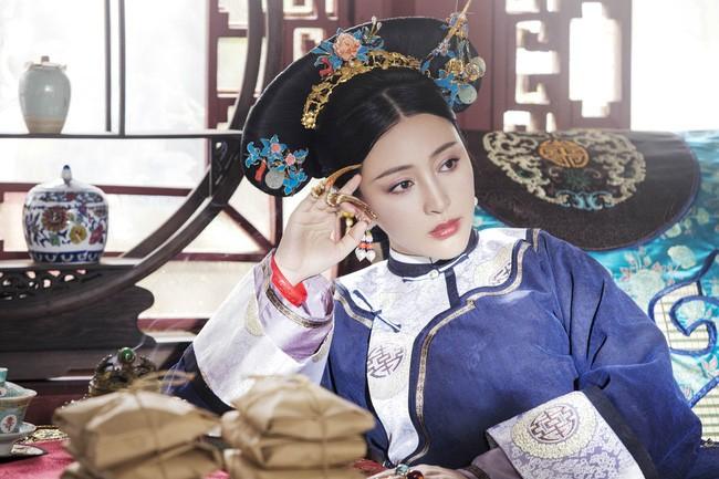 Sung phi song qua 4 doi Hoang de la ai?