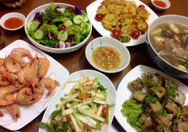 Biet chong song chung voi bo, co vo lam 1 mam com day tham thuy-Hinh-2