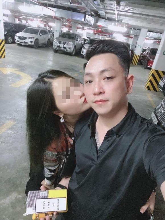 Nam dien vien Ma lang khoe ban gai mang bau sau on ao ngoai tinh