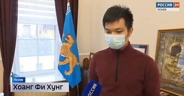 Chang trai Viet duoc len truyen hinh Nga vi cuu hai be trai nga song bang