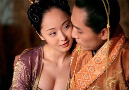 Hoang de loan luan nhat Trung Quoc la ai?