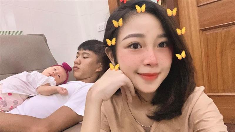 Con gai Phan Van Duc thay doi the nao sau 8 thang chao doi?-Hinh-6