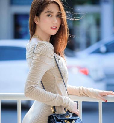 Ngoc Trinh to thai do giua dram da xeo cua Nathan Lee-Hinh-2