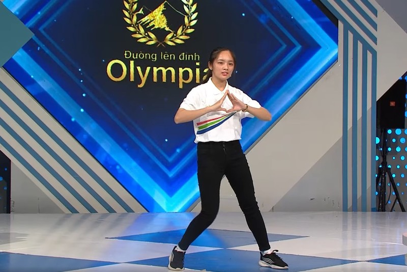 Nu sinh gay chu y o duong len dinh Olympia dung chan tai cuoc thi thang-Hinh-2
