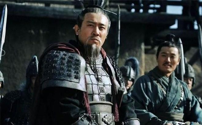 Gia Cat Luong noi ra 5 tu, phoi bay nguyen nhan khien Thuc Han diet vong
