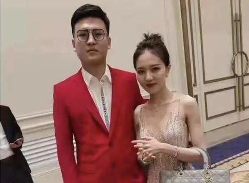 Phan boi ban trai lay thieu gia, hot girl Trung Quoc bi boc phot-Hinh-3