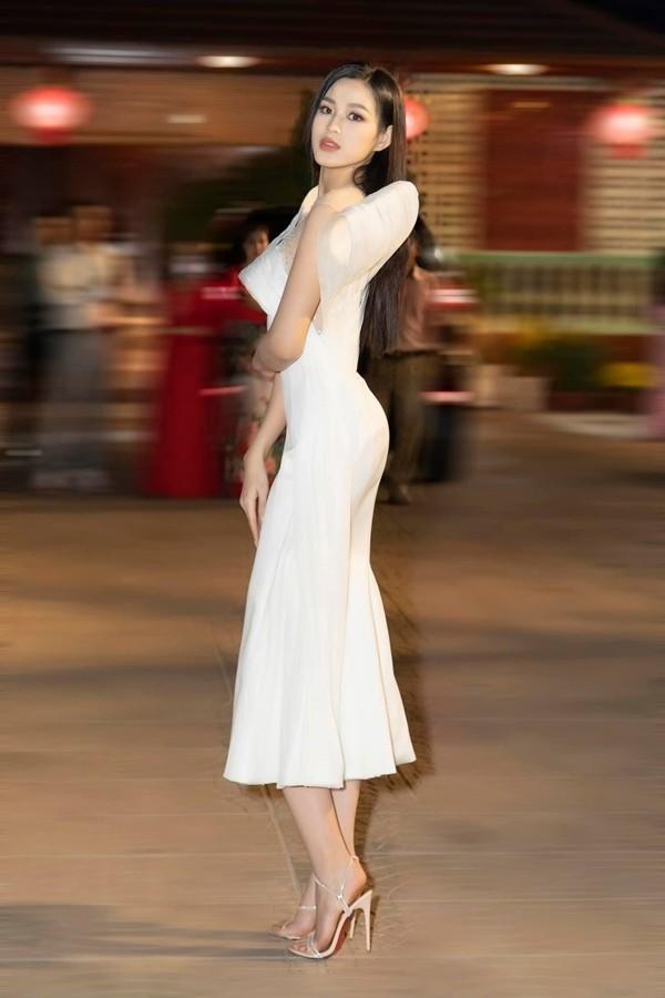 Hoa hau Viet Nam 2020 Do Thi Ha ngay cang goi cam-Hinh-14