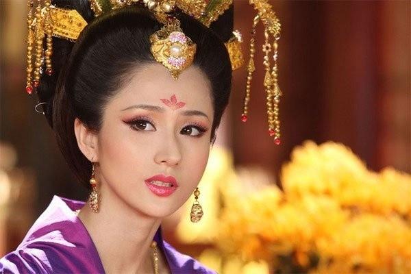 My nhan xuat than ca ky, co chong roi van khien Hoang de me miet-Hinh-3