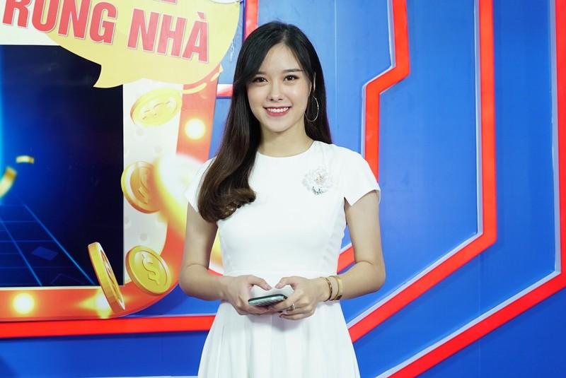 Nu MC da tai, tung dien xuat trong phim gio vang-Hinh-2