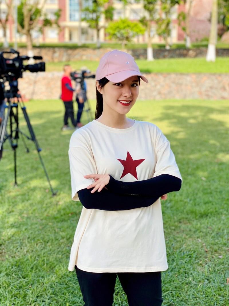 Nu MC da tai, tung dien xuat trong phim gio vang-Hinh-3