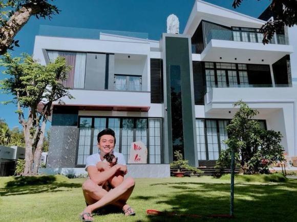 Quoc Truong tu thuong mot can villa cho minh vao sinh nhat 33 tuoi-Hinh-5
