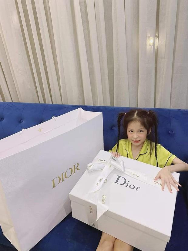 3 rich kid nha Doan Di Bang: Lay do hieu lam do choi tu nho-Hinh-3