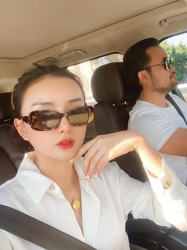 Angela Chu duoc chong dai gia hon 15 tuoi chieu nhu ba hoang-Hinh-3