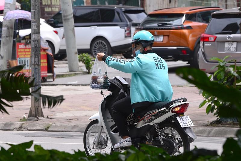 Shipper do an uong chay khong het viec trong mua dich-Hinh-6
