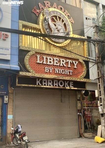 Quan karaoke giua Covid-19: Nguy co guc han sau nhieu lan