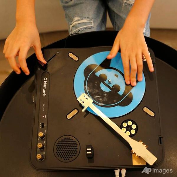 Co be 9 tuoi thanh nu DJ tre nhat Dubai-Hinh-3