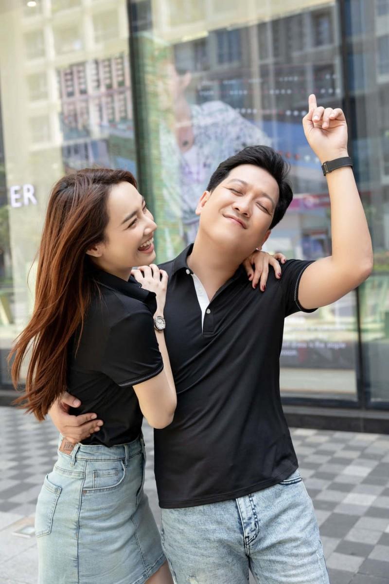 Truong Giang duoc Nha Phuong sam do di show du xau cung phai mac-Hinh-2