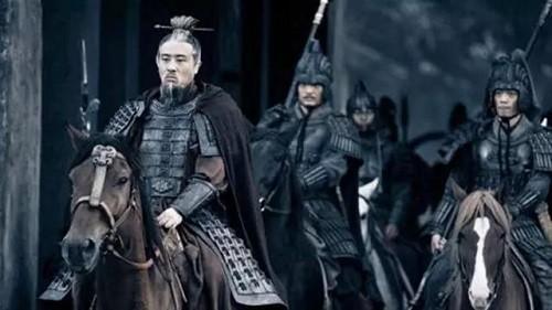 Vi sao Luu Bi van bai truoc Dong Ngo tai Di Lang?
