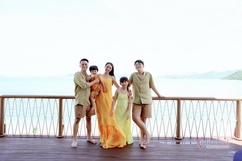 Con trai Hoang Bach 14 tuoi, khong ap luc vi noi tieng tu be-Hinh-3