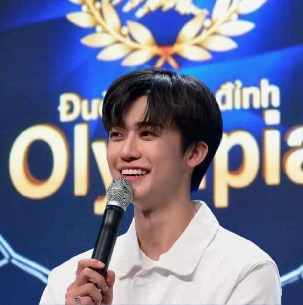 Thi sinh Olympia gay chao dao cong dong mang chi la san pham photoshop-Hinh-2