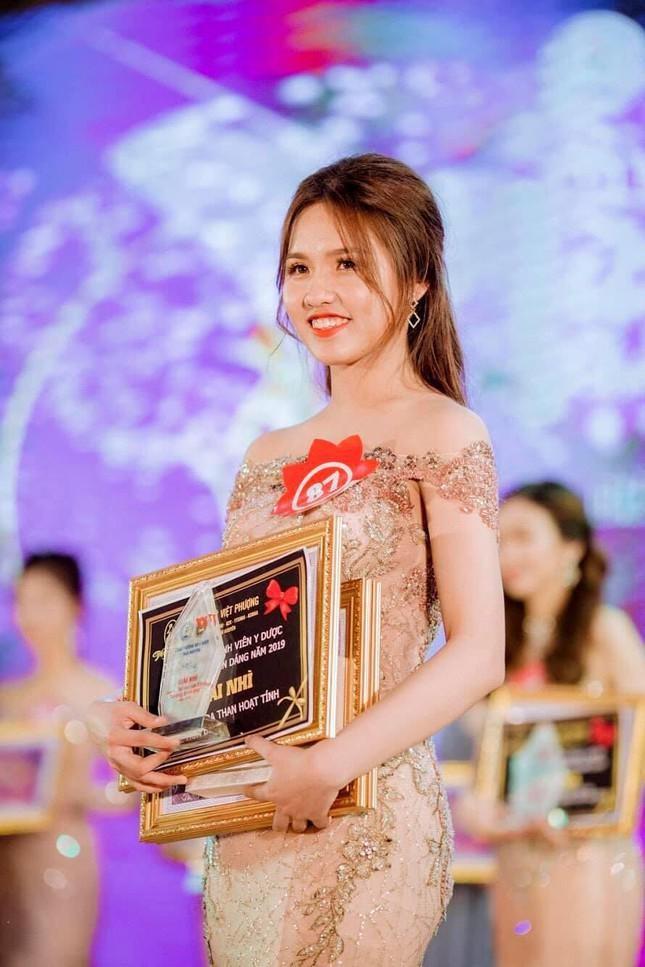 Nu sinh truong Y Duoc Thai Nguyen: San sang tinh nguyen len duong chong dich-Hinh-2