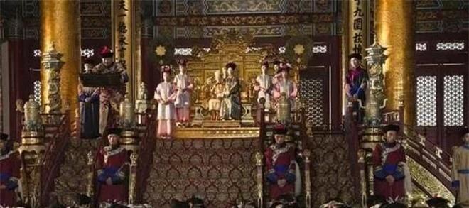 Đại thần nhất loạt không tam khấu cửu vái trước vua, chuyện gì đã xảy ra trong buổi thượng triều cuối cùng của nhà Thanh? - Ảnh 2.