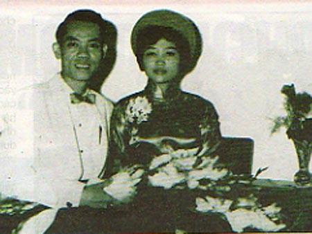 Nhung bong hong trong cuoc doi tuong tinh bao Pham Xuan An