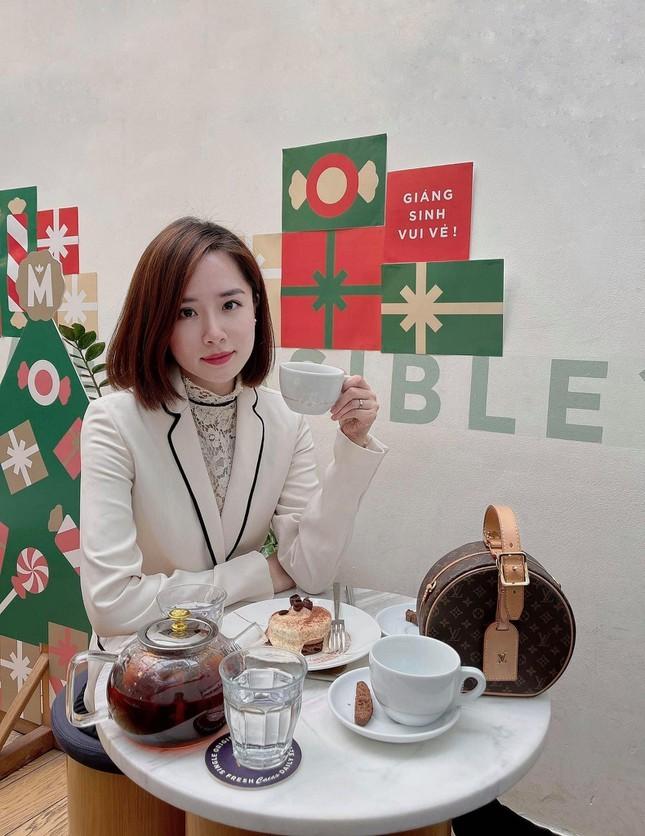 Cau chuyen ve nu than giang duong cua truong DH Kinh te Quoc dan-Hinh-6