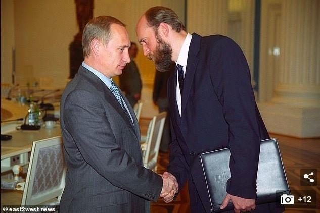 Anh hiem ve hai con gai cua Putin o tuoi truong thanh-Hinh-11