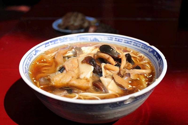 Hon 140 tang si bo mang trong dem tai ngoi chua noi tieng thoi nha Thanh-Hinh-4