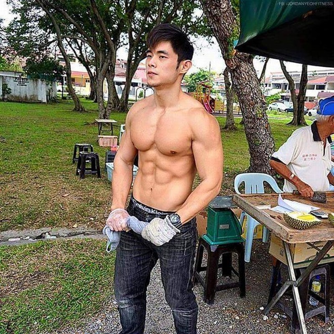 Hot boy ban sau gay sot voi ngoai hinh giong Chau Kiet Luan hien ra sao?-Hinh-2