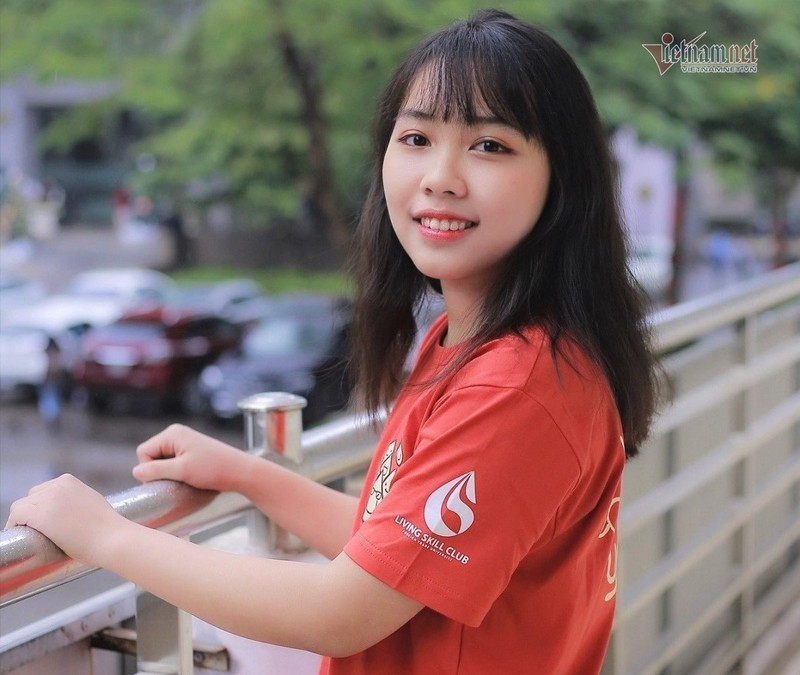 Nu sinh Ngoai thuong dat diem cao nhat the gioi mon Bao cao tai chinh