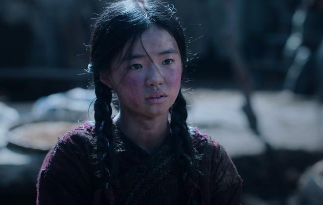 Sao nhi 13 tuoi khien Jun Ji Hyun lu mo trong ngoai truyen