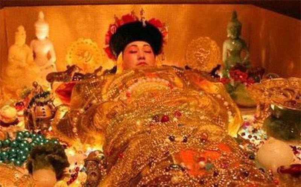 Su that ve 100 dua tre nam trong lang mo cua Tu Hi Thai Hau-Hinh-3
