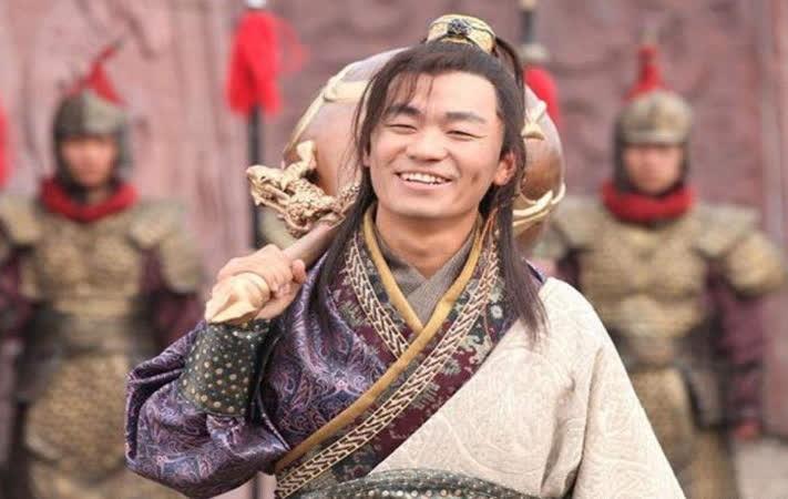 Trong truyen, doi chuy cua Ly Nguyen Ba nang 800 can, con thuc te thi sao?-Hinh-2