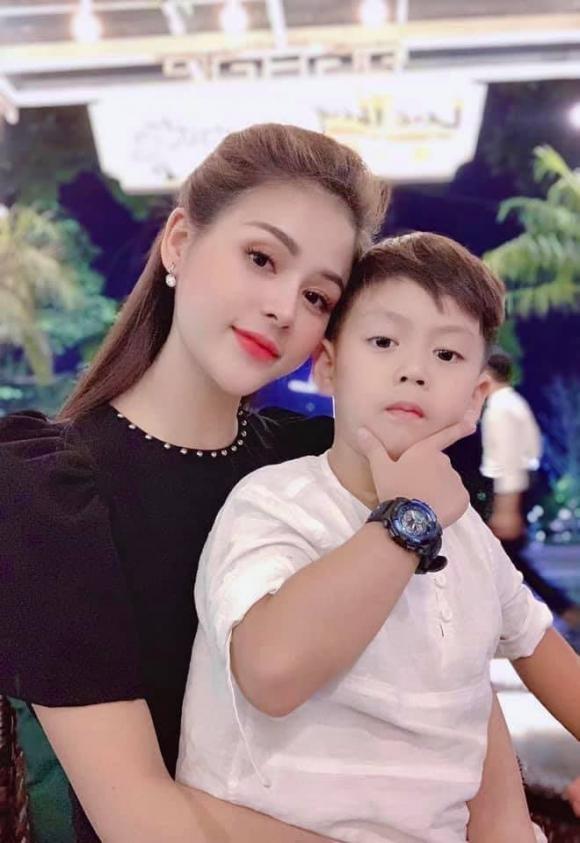 Luong Thu Trang thay co loi khi khong cho con duoc mot gia dinh hoan hao-Hinh-5