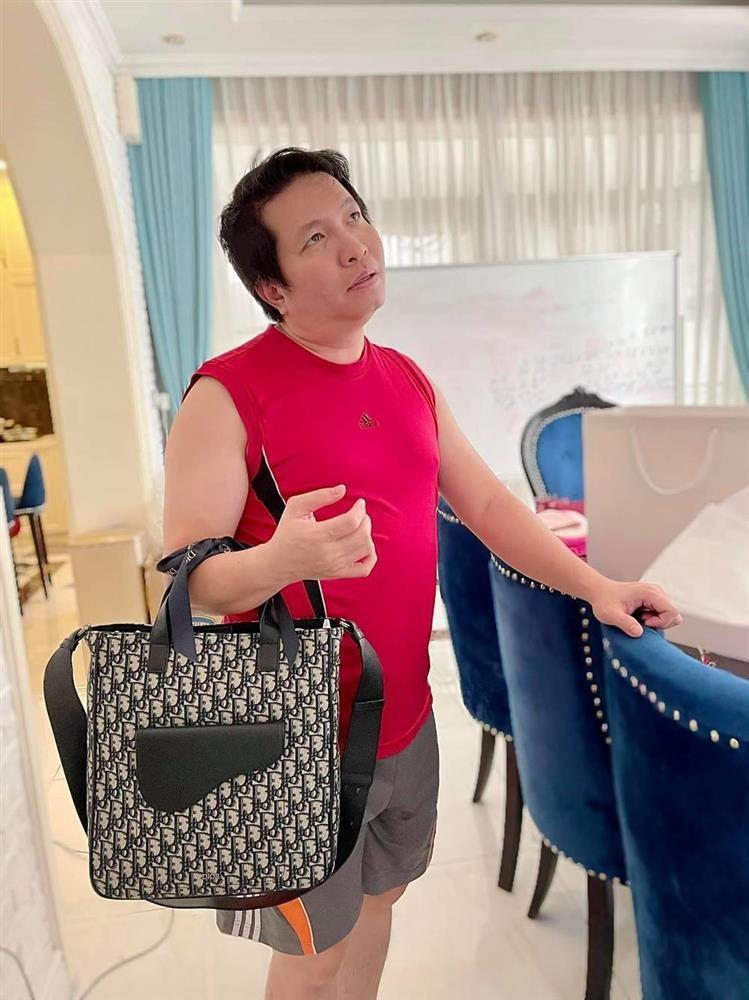 Nu dai gia co nha 400 ty bi chong mang luoi bieng, chi an khong lam-Hinh-6