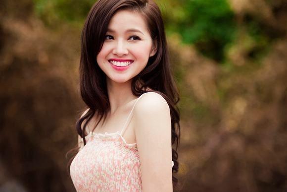 Nhan sac H'Hen Nie, Ngoc Trinh, Huyen My thoi con lam PG-Hinh-11
