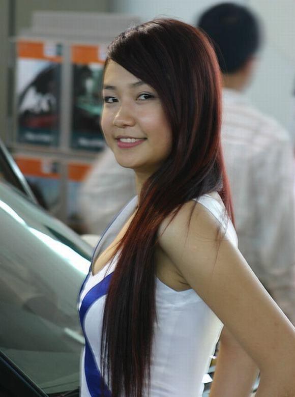 Nhan sac H'Hen Nie, Ngoc Trinh, Huyen My thoi con lam PG-Hinh-6