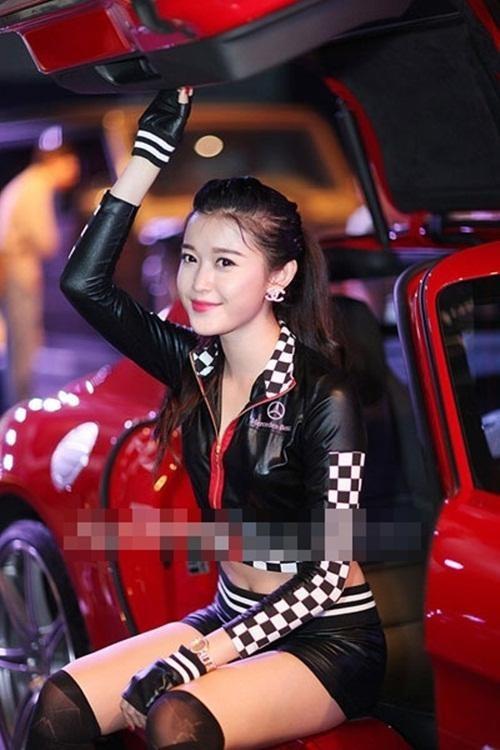 Nhan sac H'Hen Nie, Ngoc Trinh, Huyen My thoi con lam PG-Hinh-9