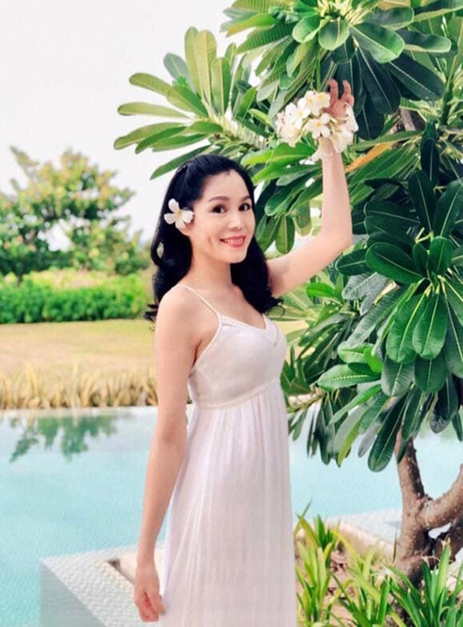 Nhan sac va noi co cuc thoi tre cua ba xa MC Quyen Linh-Hinh-7