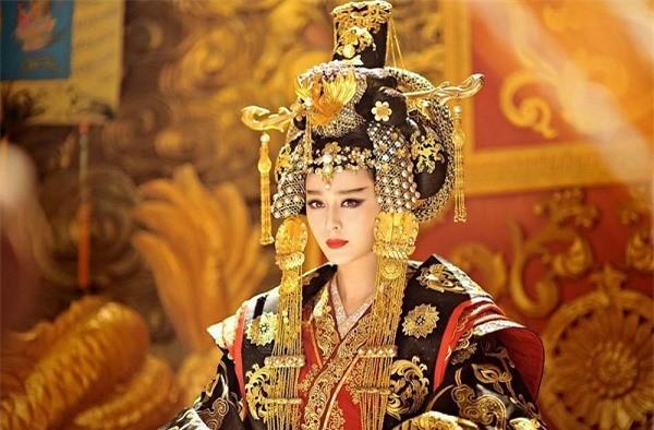 Thai tu nha Duong giai ma nghi an ngan nam ve Vo Tac Thien-Hinh-4