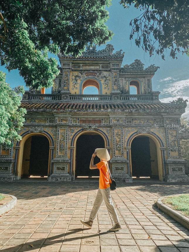 Le Tien Huy – Chang photographer tre luon khat khao cong hien cho thanh pho Cang-Hinh-7