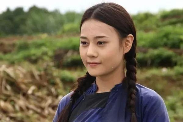 Phuong Oanh bi dao lai anh qua khu thoi chua