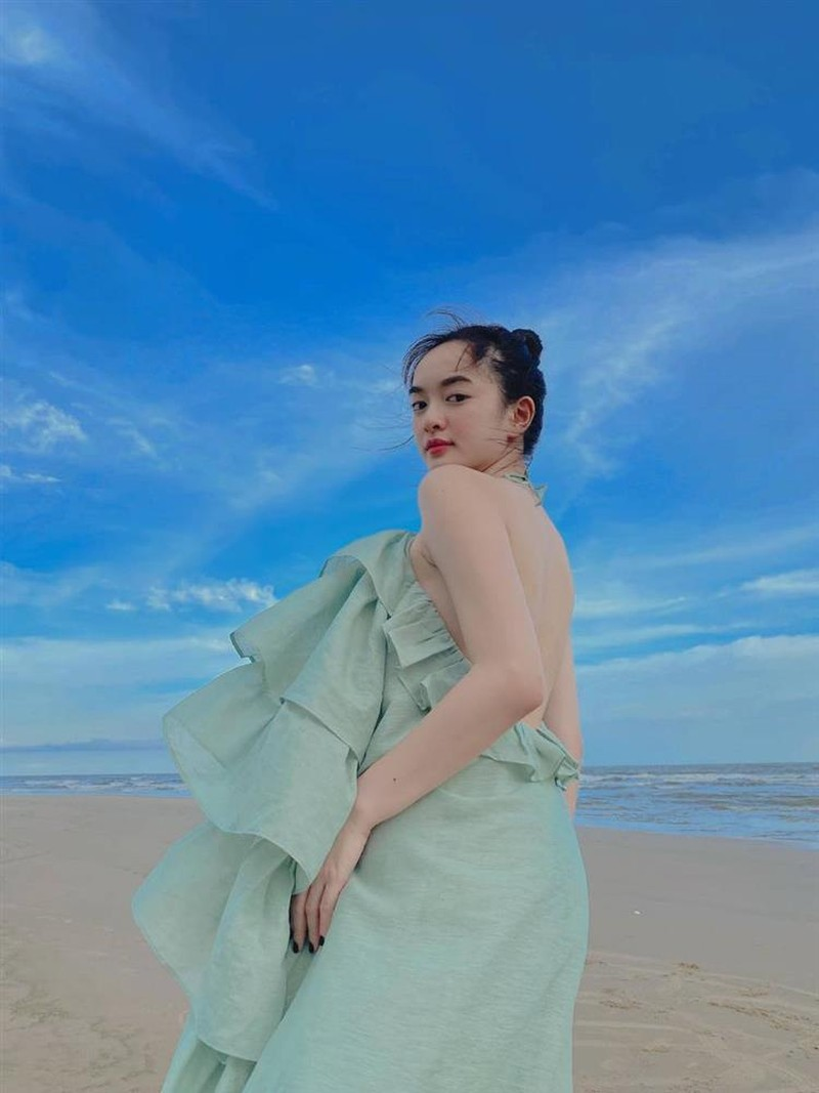 Dien vay lum lum, Kaity Nguyen bi nghi mang bau bi mat-Hinh-10