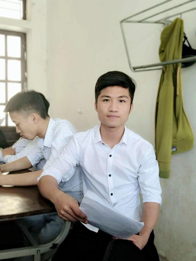 Nam sinh xu Nghe la Dang vien hoc hai truong de phat trien ban than-Hinh-8